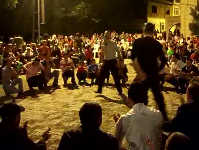 10.09.2010 Ramazan bayramı şenliği -çılgın gençler...