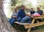 Soldan Sağa : Salih, Atilla, Berat (Ziyarette Piknik)...