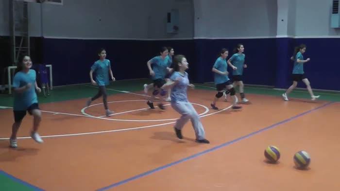 2013 Voleybol Spor Okulu Video-1...